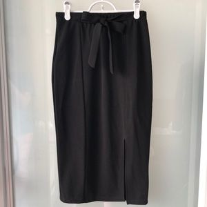 💎 NEW Suzy Shier Pencil Skirt - S